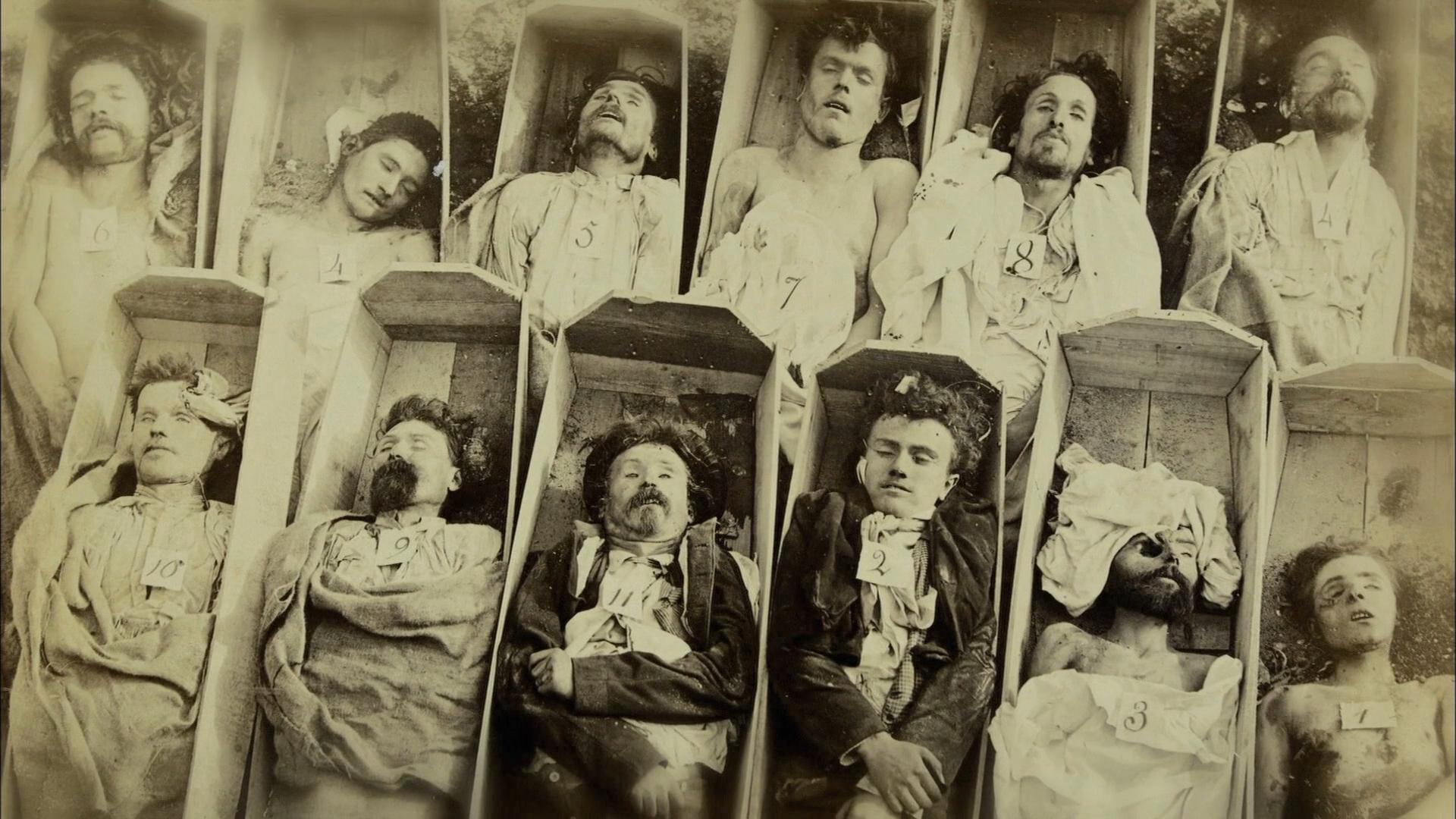 современные люди на старинных фотографиях приводного электродвигателя