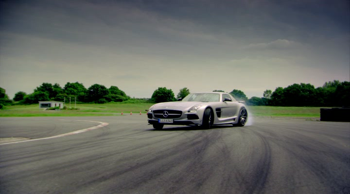 Top.Gear.s20e01.HDTVRip.Rus.Eng.AlexFilm[(002721)08-50-16].PNG