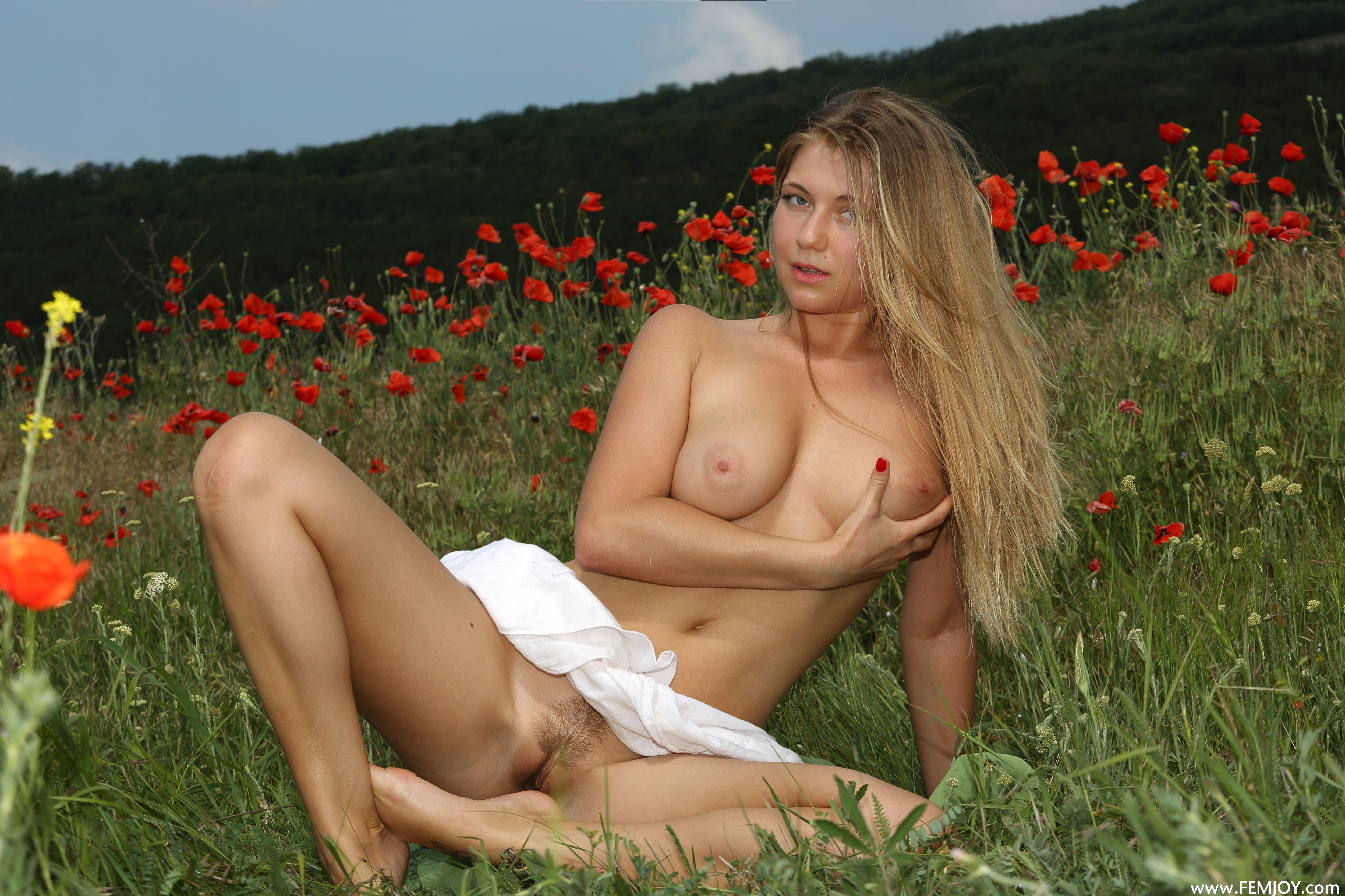 http://i5.imageban.ru/out/2013/10/27/c44a274e9bff72ee1e2bc613e93b47f0.jpg