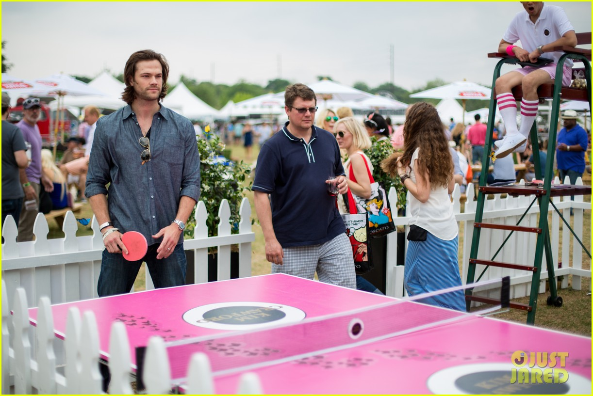jared-padalecki-wife-genevieve-picture-perfect-couple-austin-food-festival-02.jpg