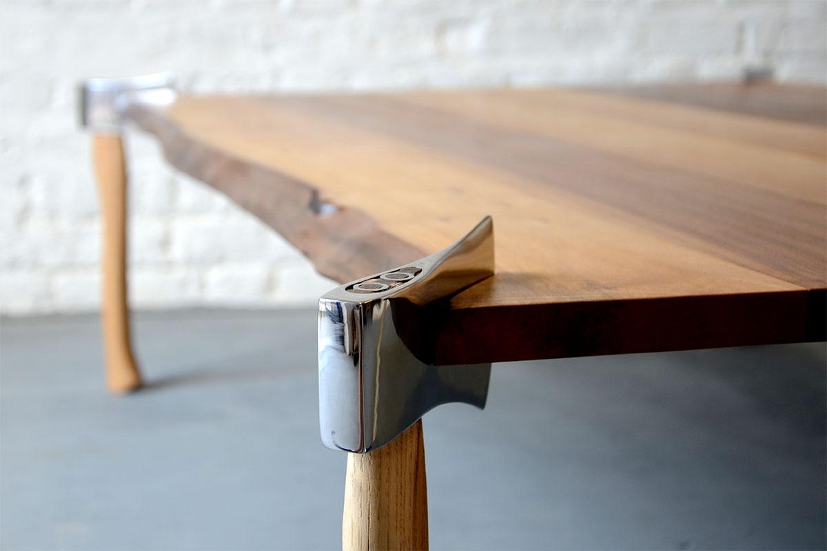 Стол из топора 1