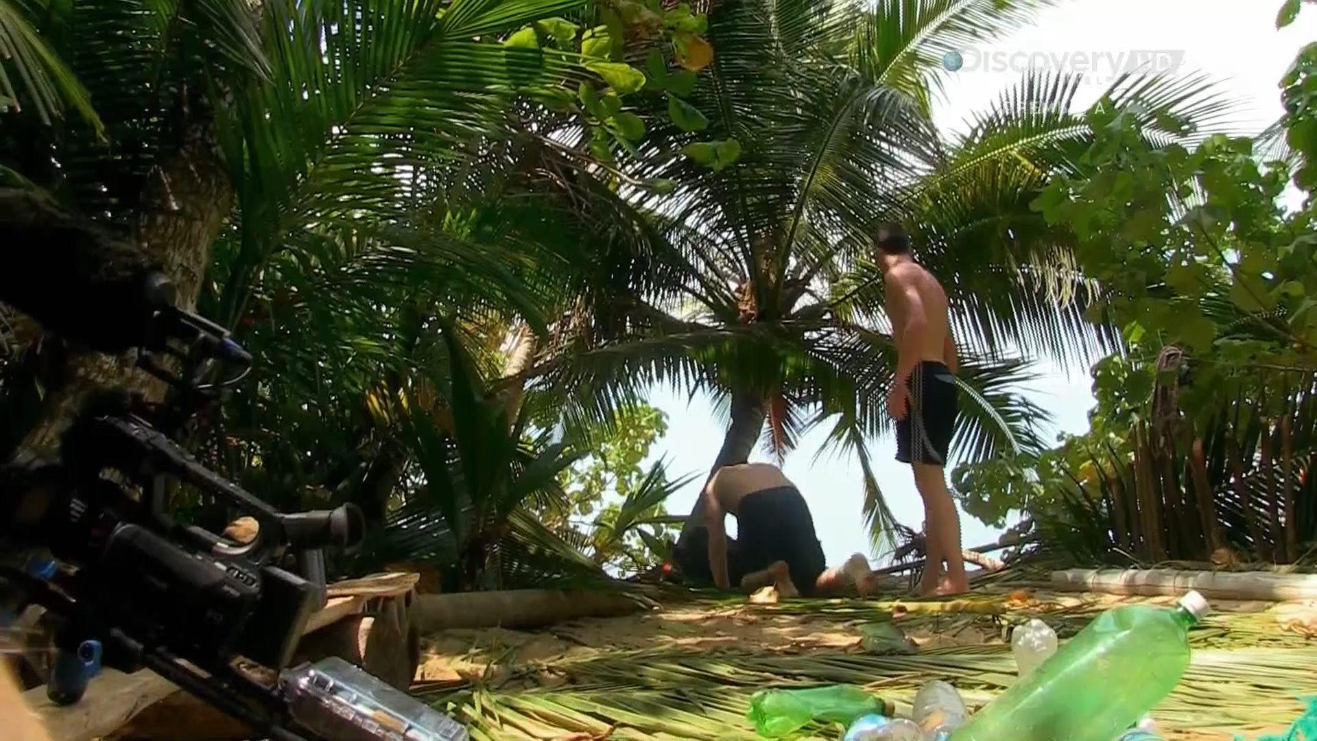 Discovery. Остров с Беаром Гриллсом / The Island with Bear Grylls [01] (2014) HDTV 1080i