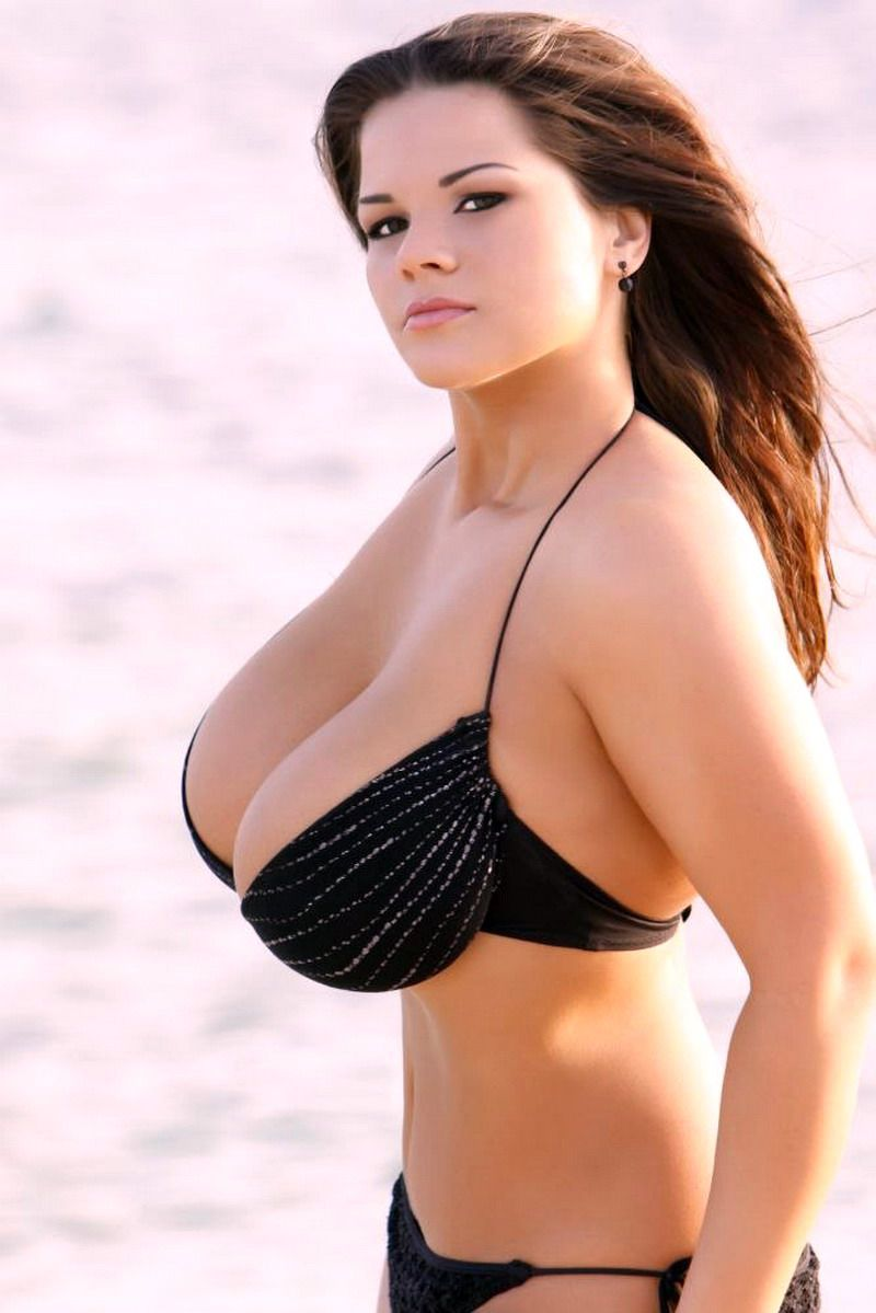 фото грудастых актрис россии