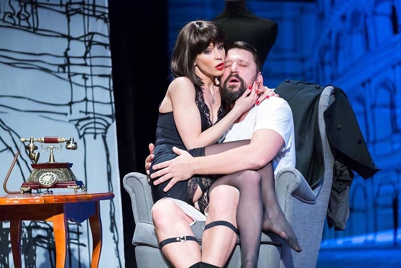 Театр с голыми актрисами, полная версия спектакля с голыми артистами на сцене 20 фотография