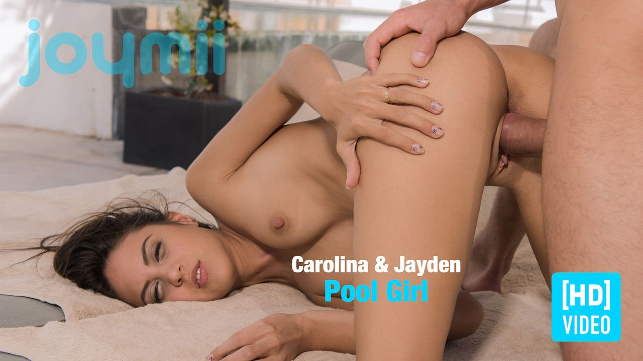 Carolina / Pool Girl (2015) HD 1080p