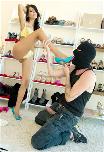 Lela Star - Анальное наслаждение 2 / Anal Delights 2 / Lela Star Gets A Anal Burglary (2011) DVDRip