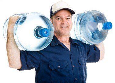 Вода в пластиковых емкостях – альтернатива низкокачественному продукту из крана