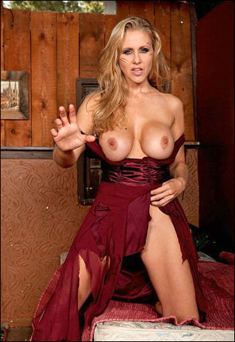 Julia Ann - Day Of The Living Milf / A Big Tit Whorror Flick (2011) DVDRip |