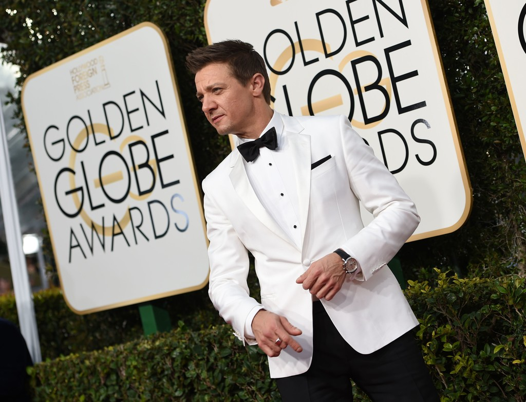Jeremy+Renner+74th+Annual+Golden+Globe+Awards+JvUaIPcOQIfx.jpg