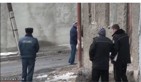 Վանաձորում  ԴԱՀԿ աշխատակիցները տանից վտարել են Պողոսյանների ընտանիքին. Տան տերը սպառնում է ինքնահրկիզվել(ֆոտո, վիդեո)