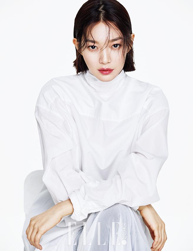 + Shin Min Ah - Elle (2017.04.02) 095 (JPOP.ru).jpg