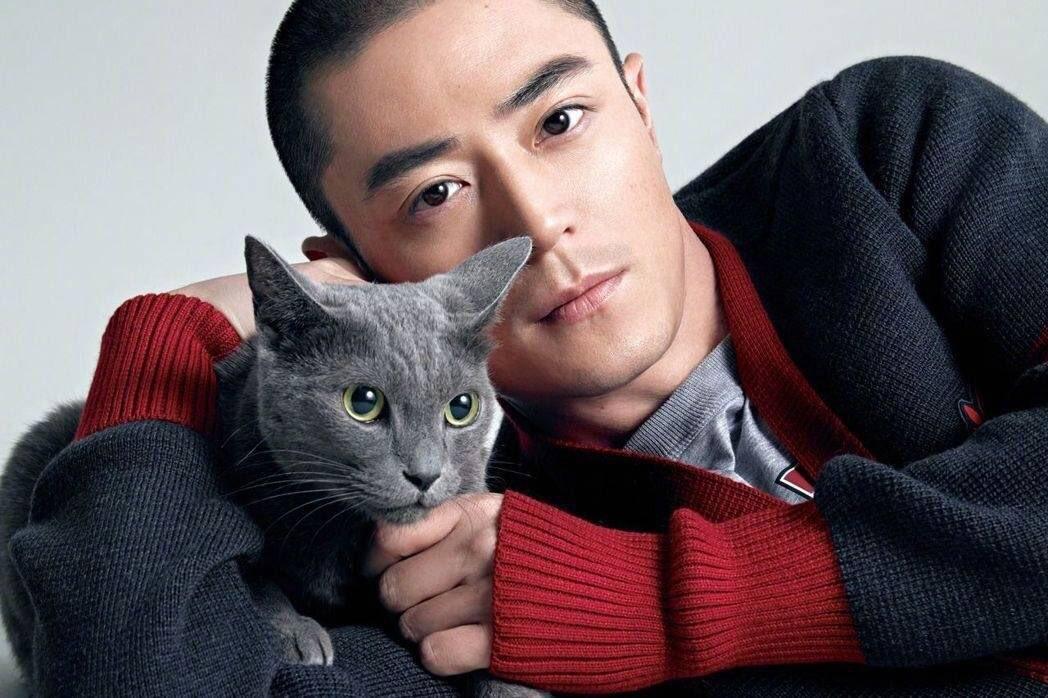 Уоллес Хо__Китайский актер.jpg