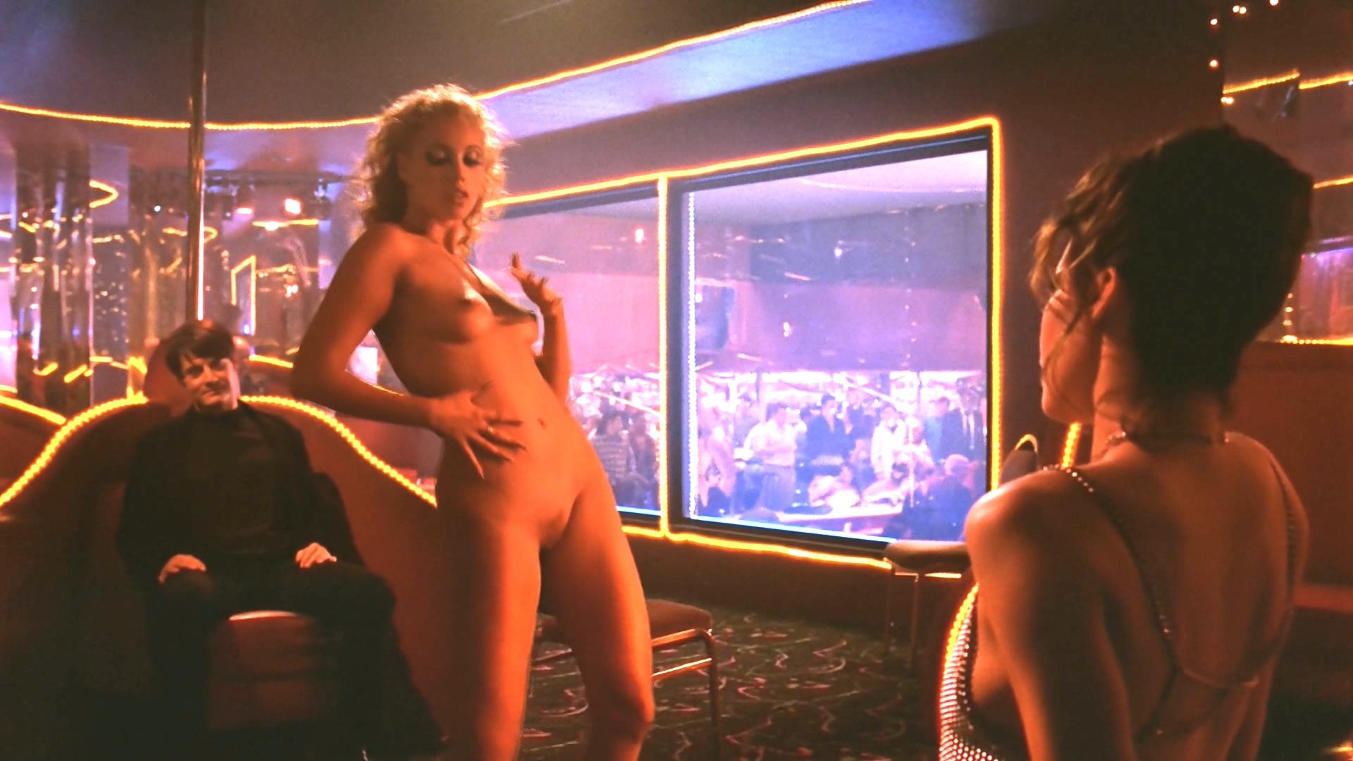 Порно видео с эвелин из шоу герлз, крупные секси девушки