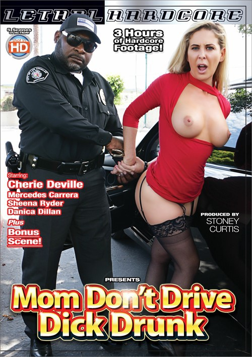 Постер:Mom Don't Drive Dick Drunk (2017) WEB-DL