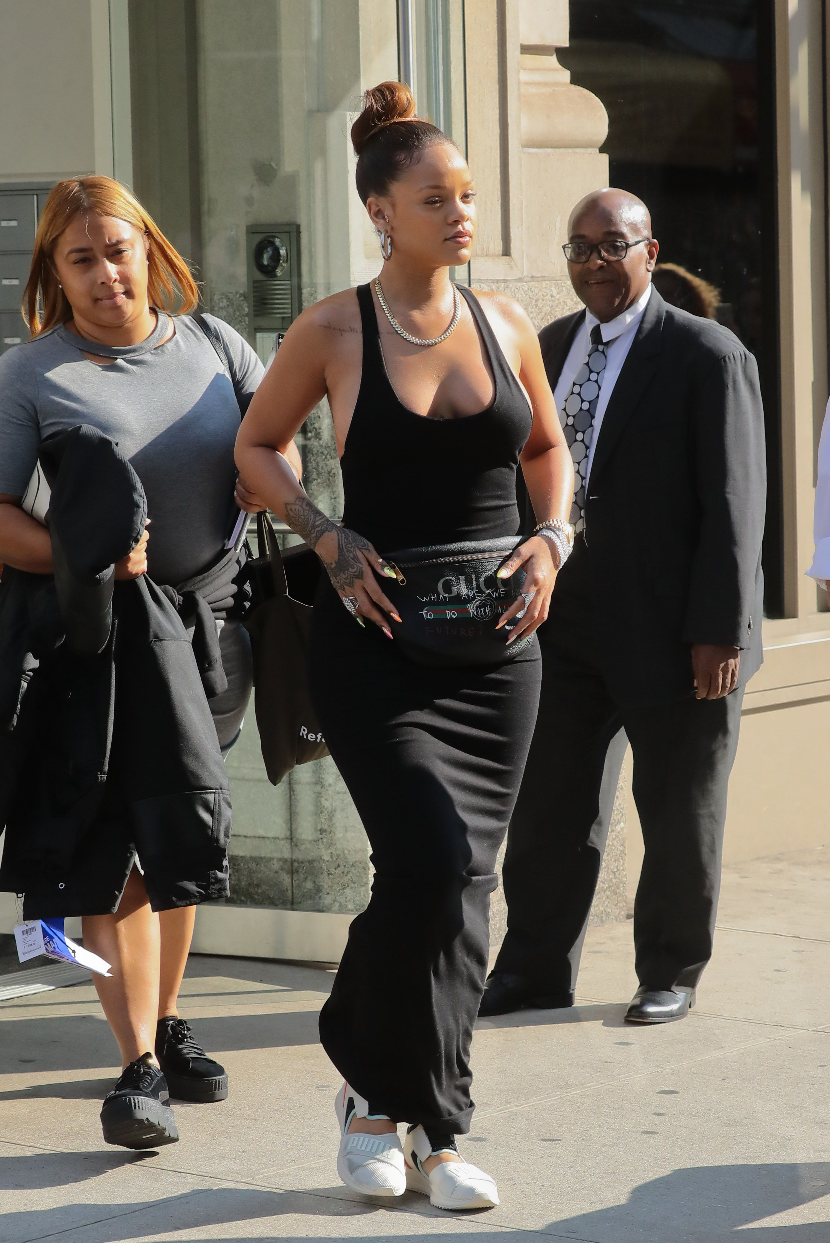 Rihanna-Braless-7-thefappeningblog.com_.jpg