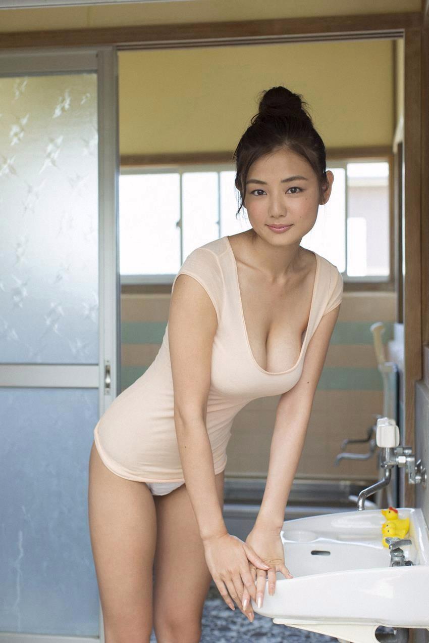 Азиаточка дома