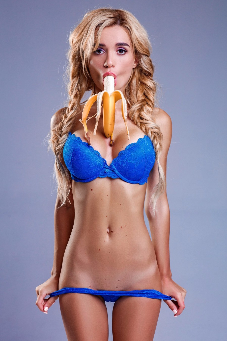 С бананом во рту