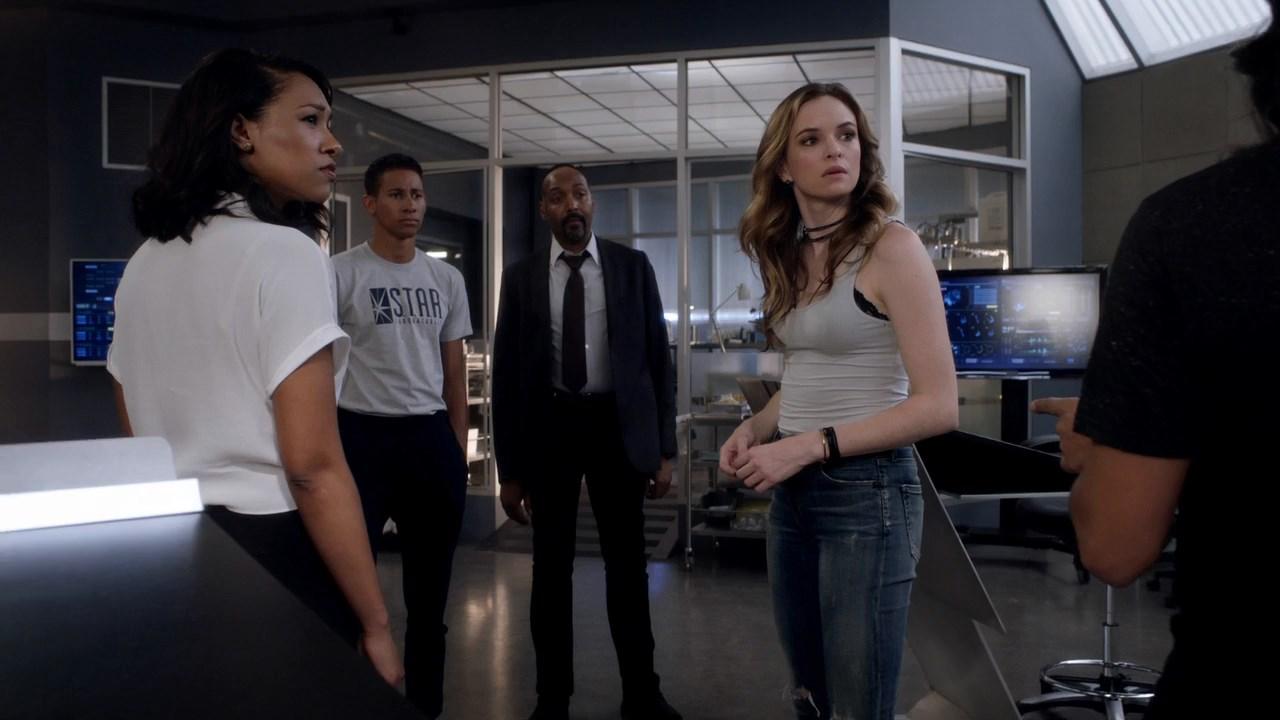 Флэш / The Flash [04х01-03 из 23] (2017) HDTVRip 720p | SunshineStudio