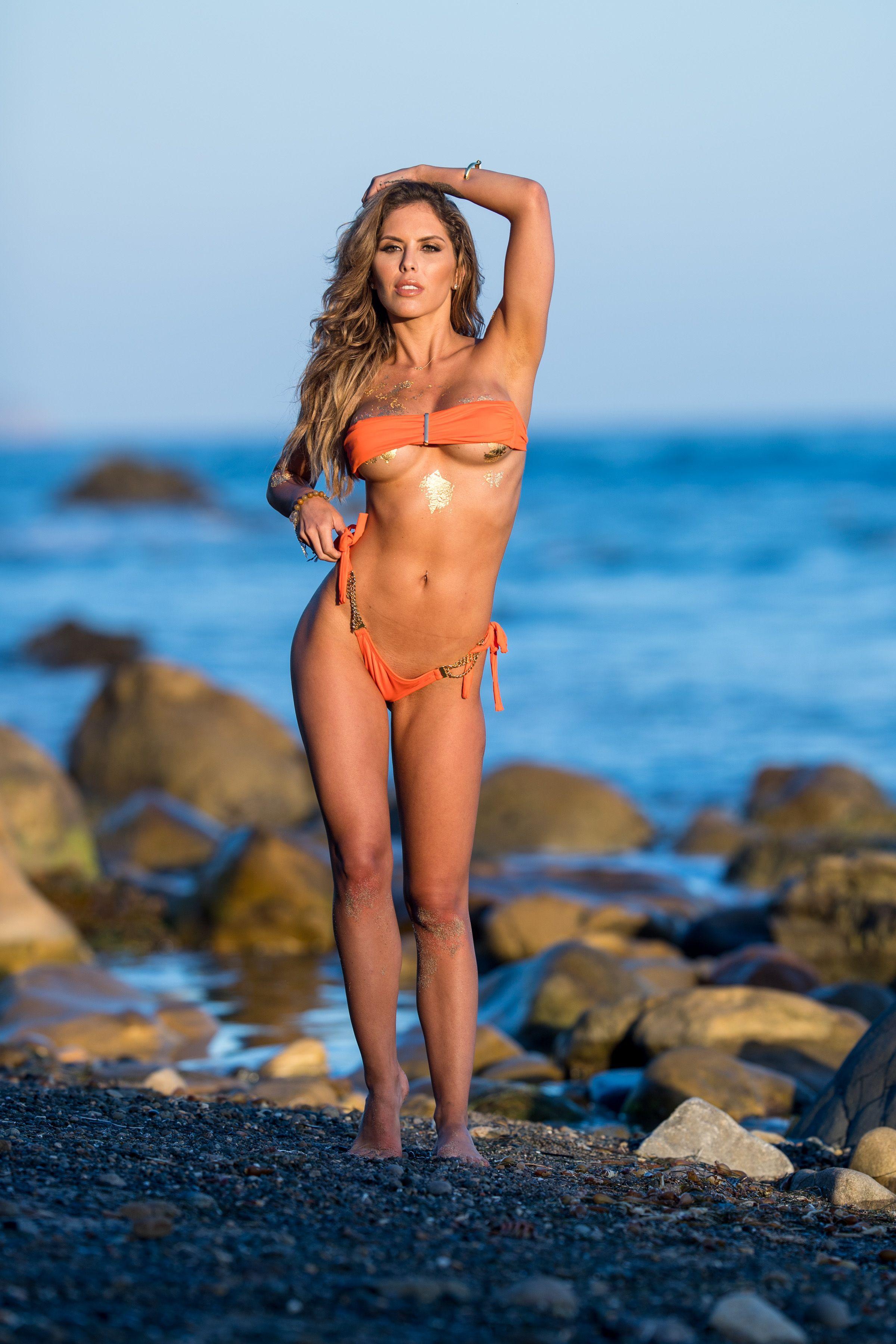 Brittney-Palmer-Sexy-Topless-32-thefappeningblog.com_.jpg