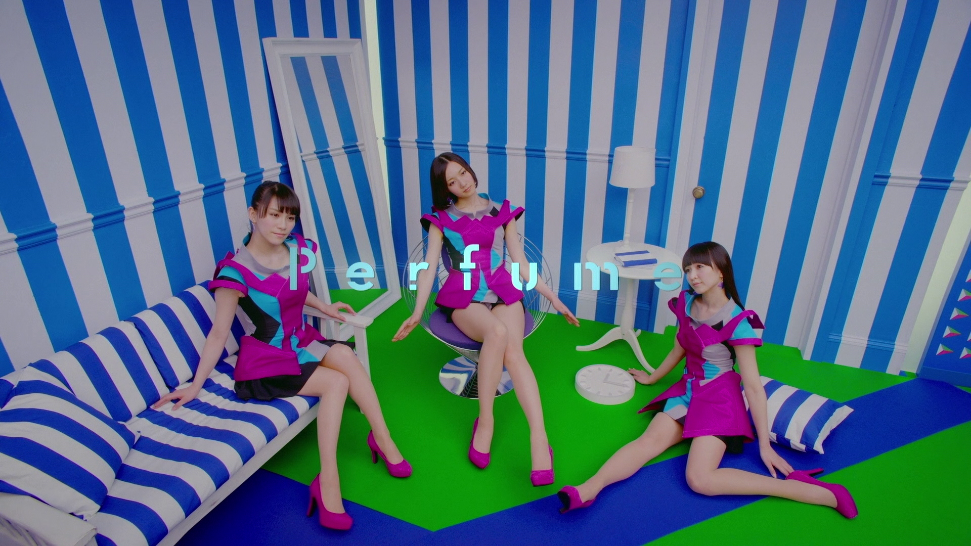 20171205.0144.3 Perfume - Clips 2 (Limited edition) (Blu-Ray.iso) screen 2 (JPOP.ru).png