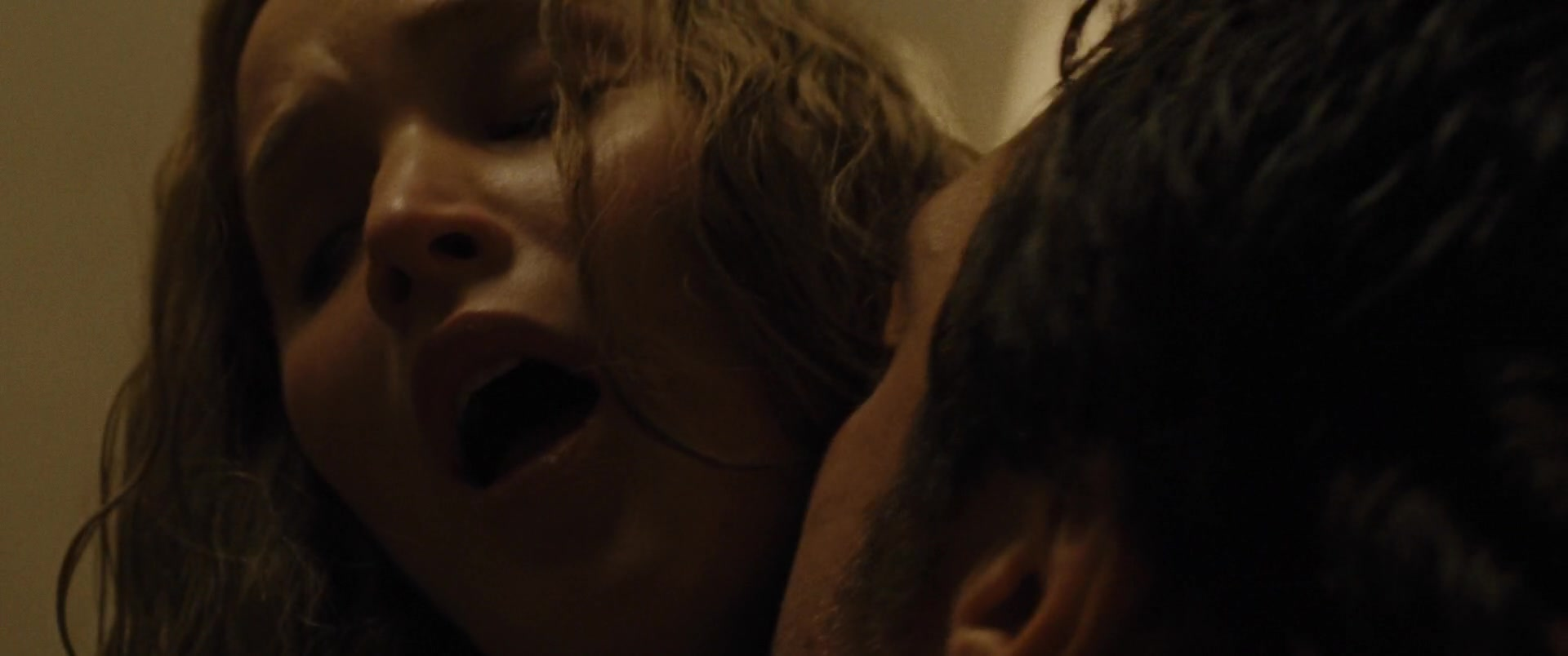 Jennifer-Lawrence-Michelle-Pfeiffer-Mother-28-thefappeningblog.com_.jpg