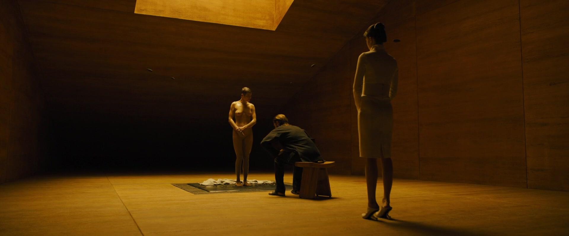 Ana-de-Armas-Sallie-Harmsen-Mackenzie-Davis-etc-Nude-26-thefappeningblog.com_.jpg