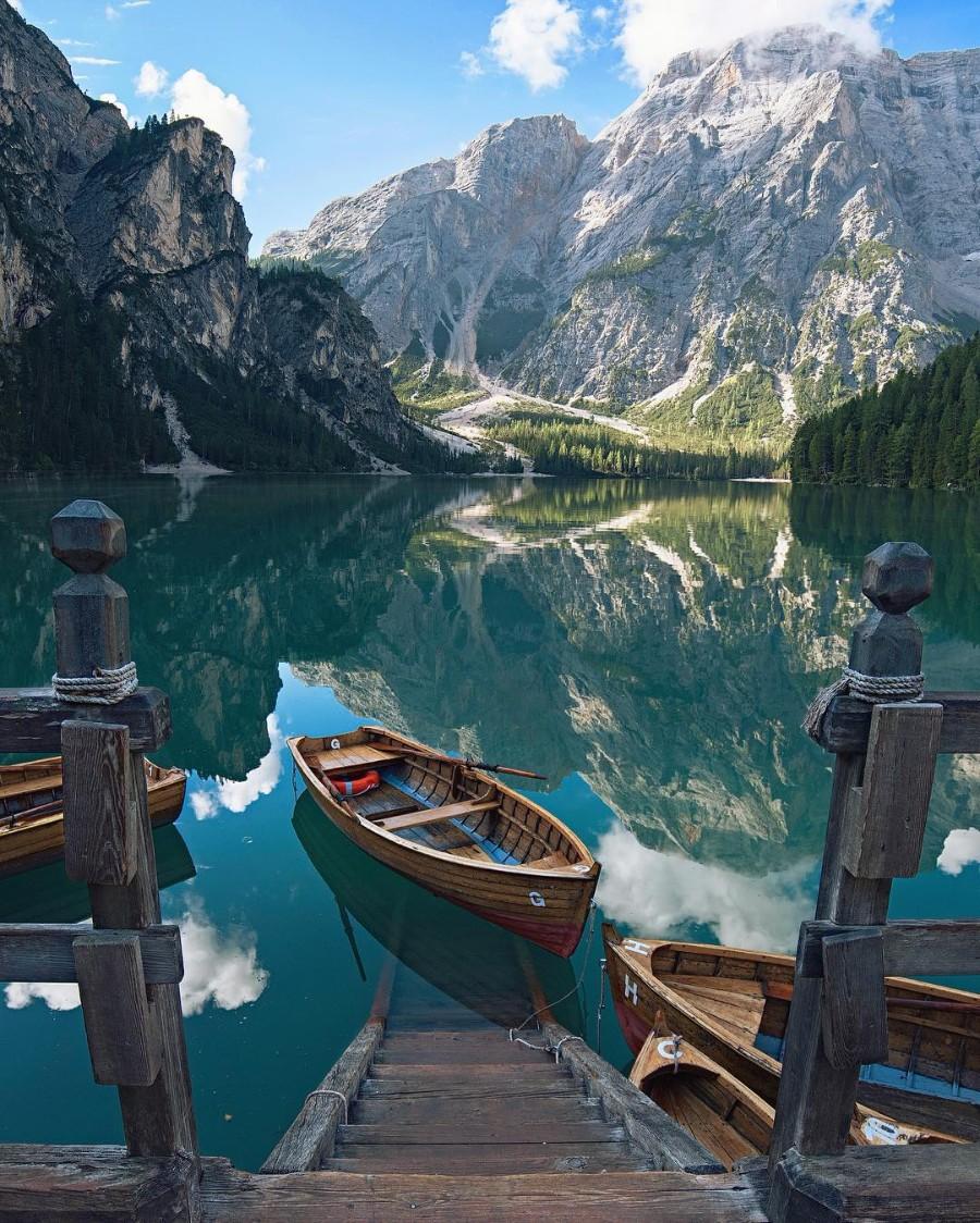 Озеро и горы