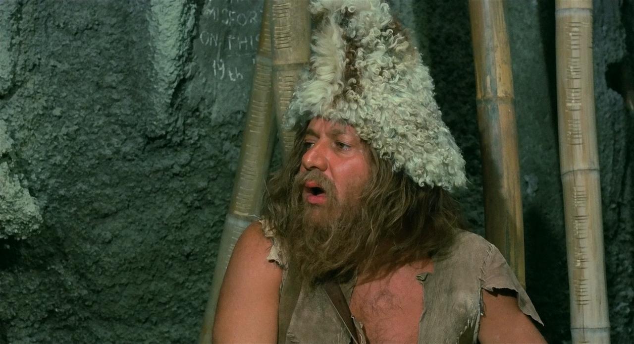 Синьор Робинзон / Il signor Robinson, mostruosa storia d'amore e d'avventure (1976/BDRip) 720p, D, P, P2