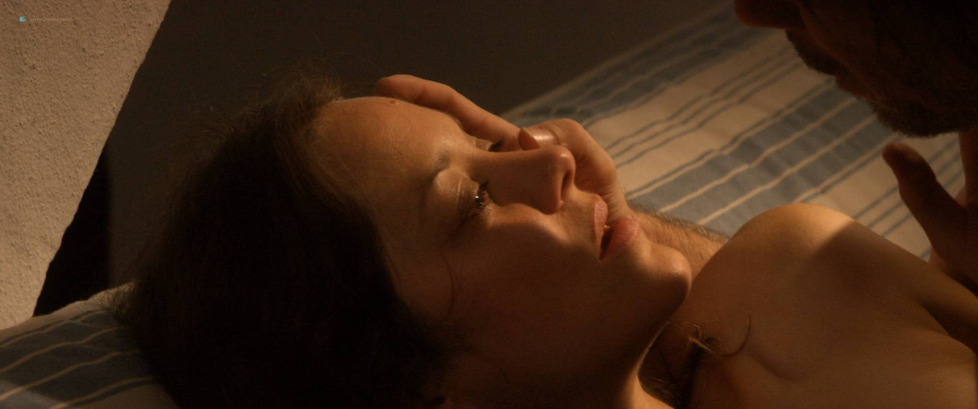Marion-Cotillard-nude-full-frontal-Alba-Rohrwacher-nude-nipple-Les-fantomes-d_Ismael-FR-2017-HD-1080p-BluRay-013.jpg