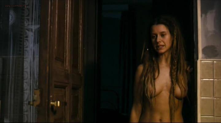 Manuela-Velles-nude-sex-and-very-nasty-Caotica-Ana-2007-0021.jpg