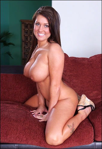 Kelly hart nude