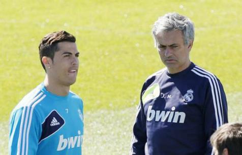"""Моуринью считает, что уход Роналду из """"Мадрида"""" невозможен"""