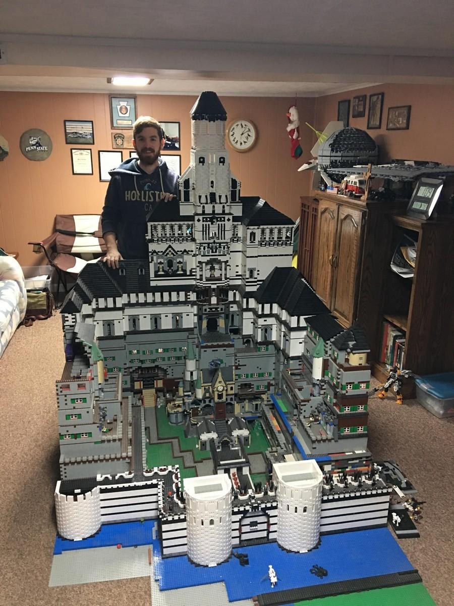 Замок из Лего