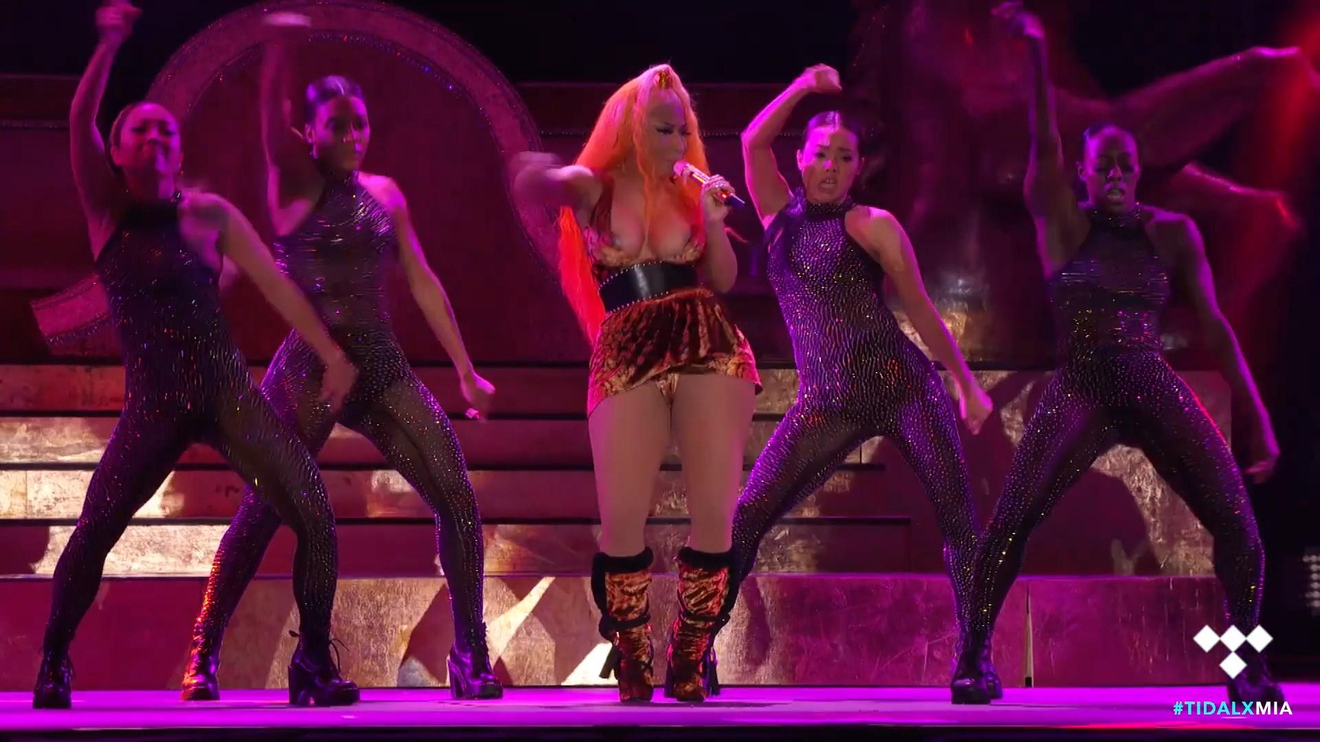 Nicki-Minaj-Nude-TheFappeningBlog.com-21.jpg