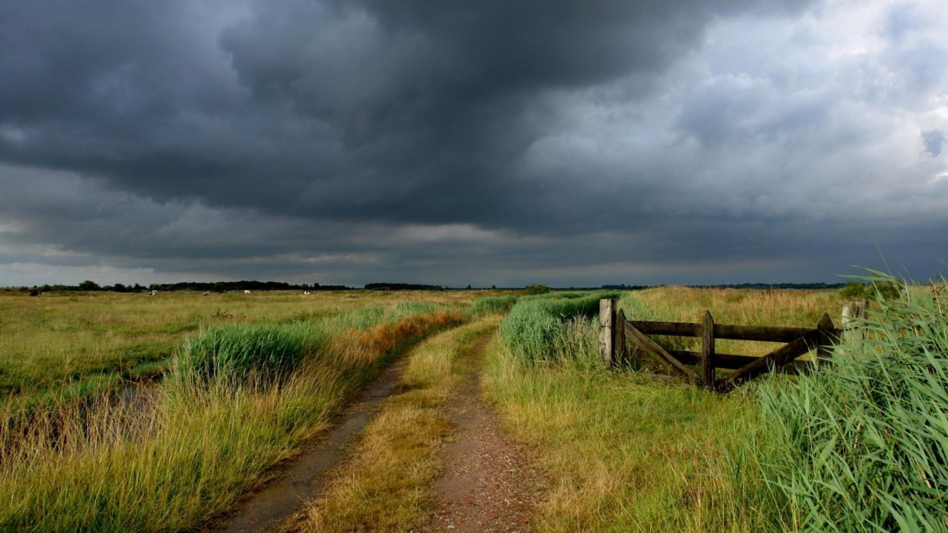 clouds-landscapes-nature-country-gate-gloomy-sky-1920x1080-22478.jpg