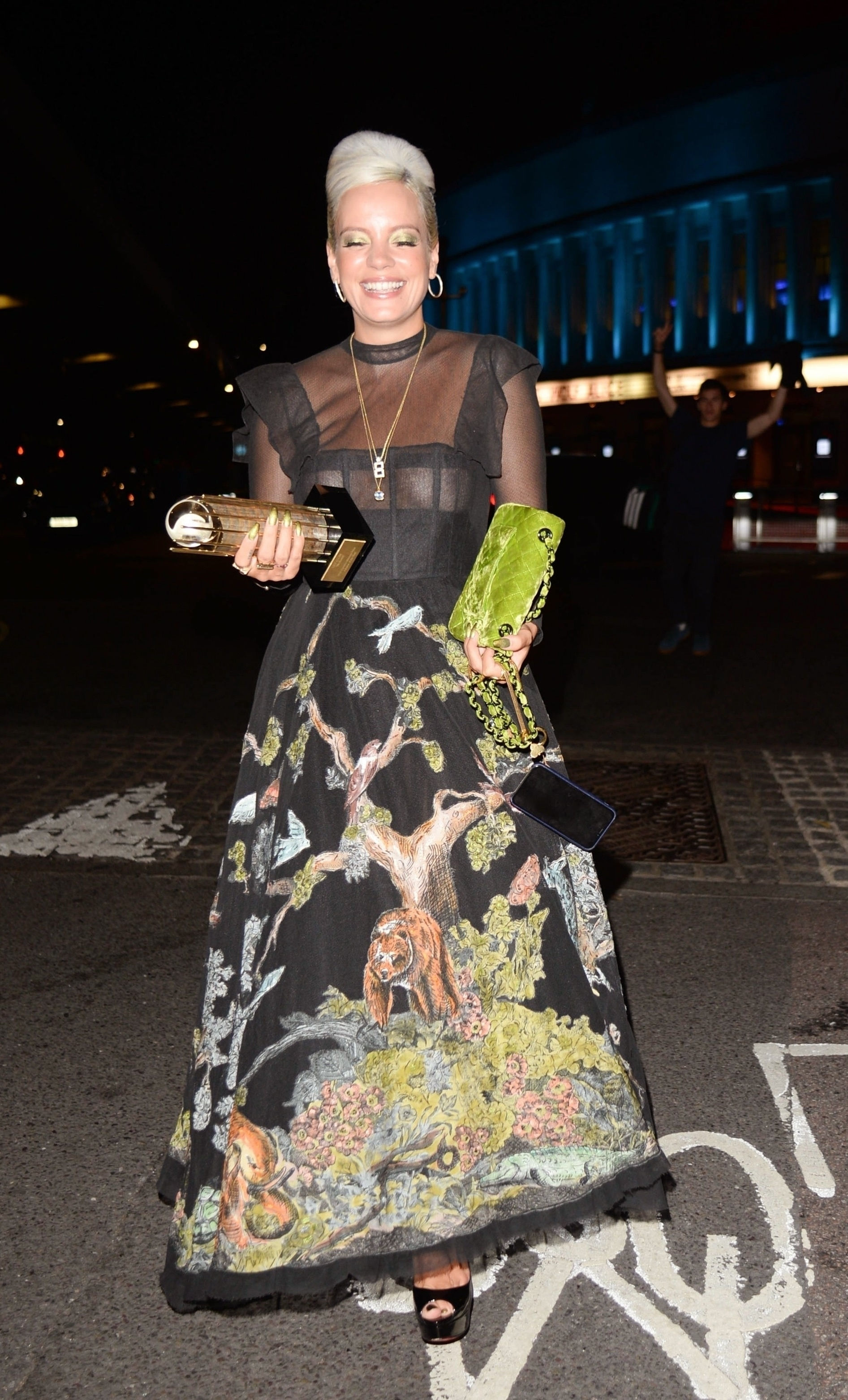 0919040453772_19_Lily-Allen-See-Through-TheFappeningBlog.com-20.jpg