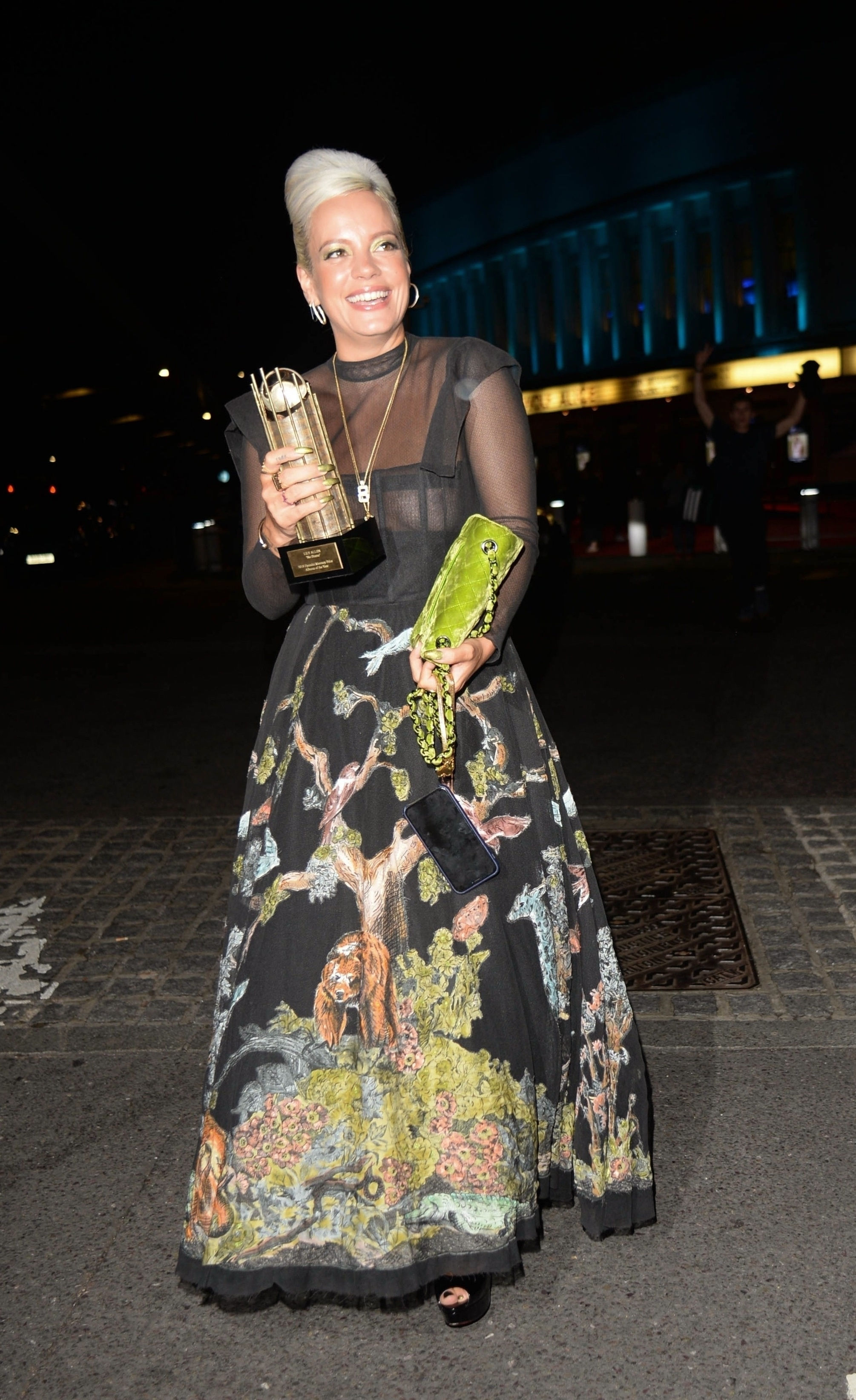 0919040453772_17_Lily-Allen-See-Through-TheFappeningBlog.com-18.jpg