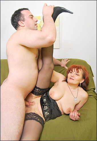 Marina - Robert Pounds A Nice Red Head With Some Jugz (2011) WEBRip |