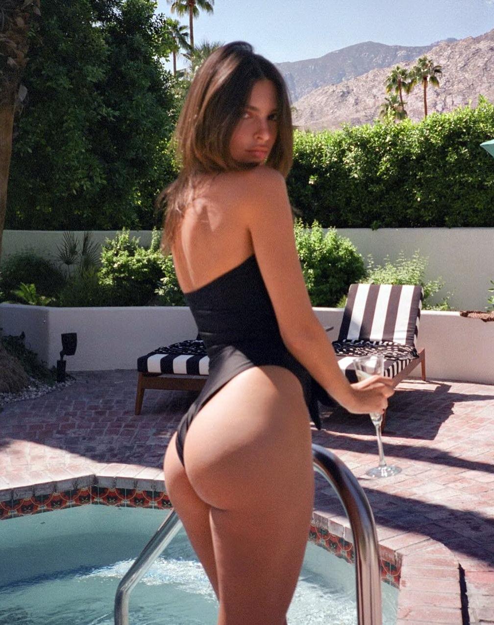 Emily-Ratajkowski-Sexy-Hot-1-thefappeningblog.com_.jpg