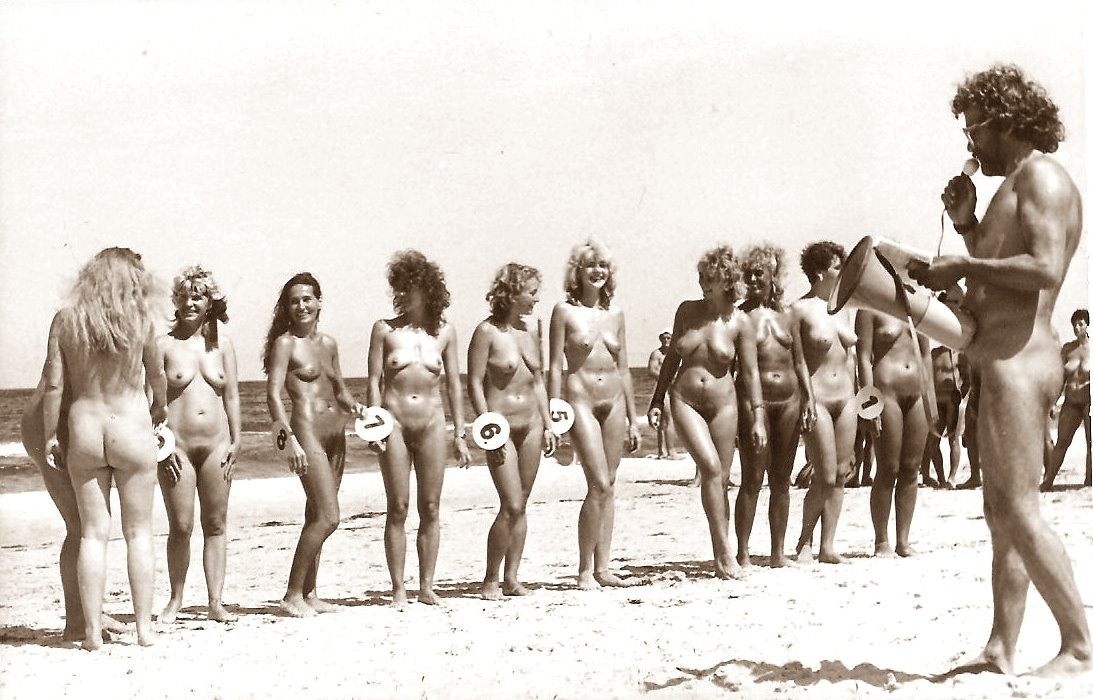 vintage-beach-breast-contest-piss-in-her-shoes