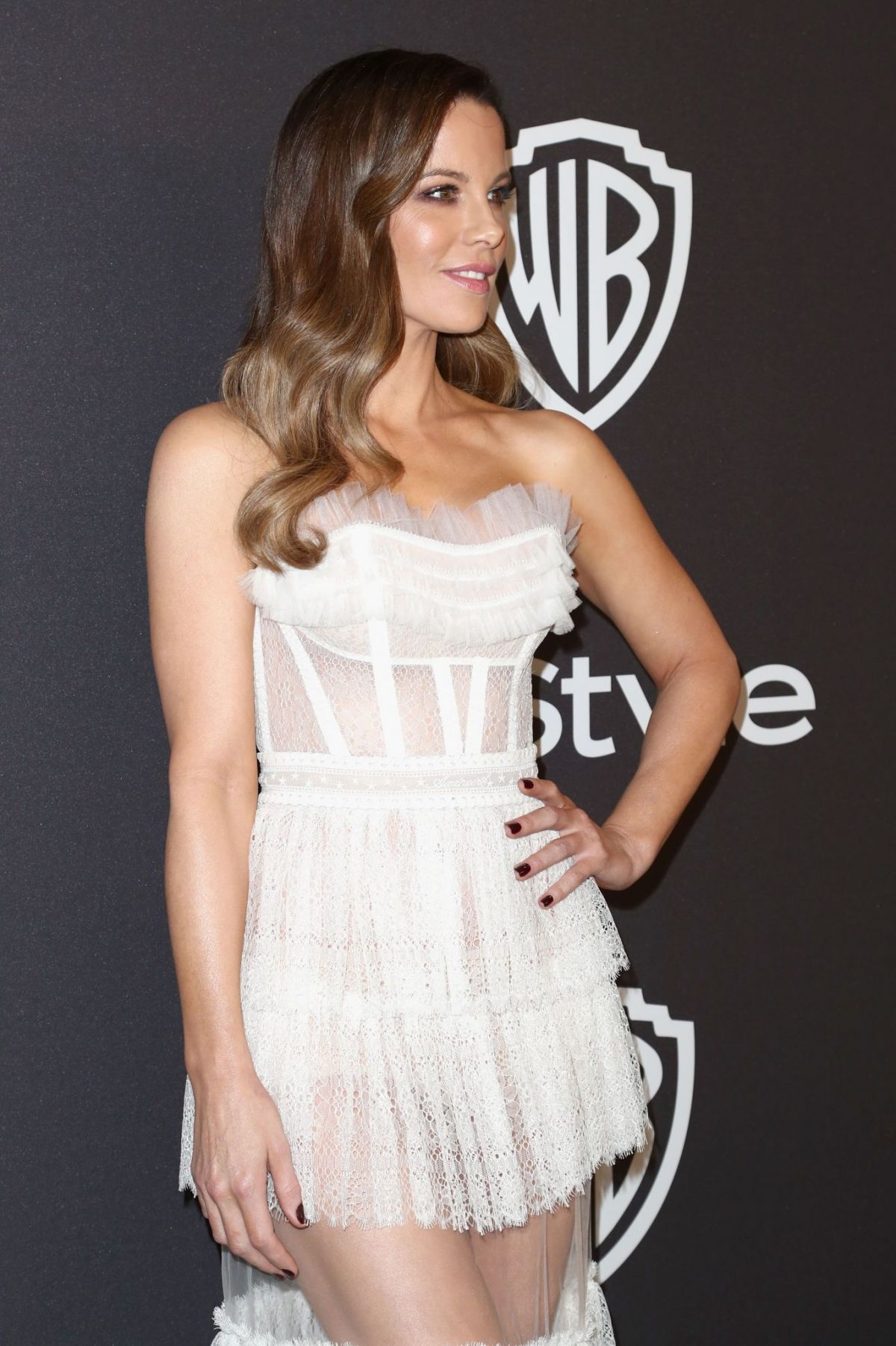 kate-beckinsale-at-instyle-and-warner-bros-golden-globe-awards-afterparty-in-beverly-hills-01-06-2019-4.jpg