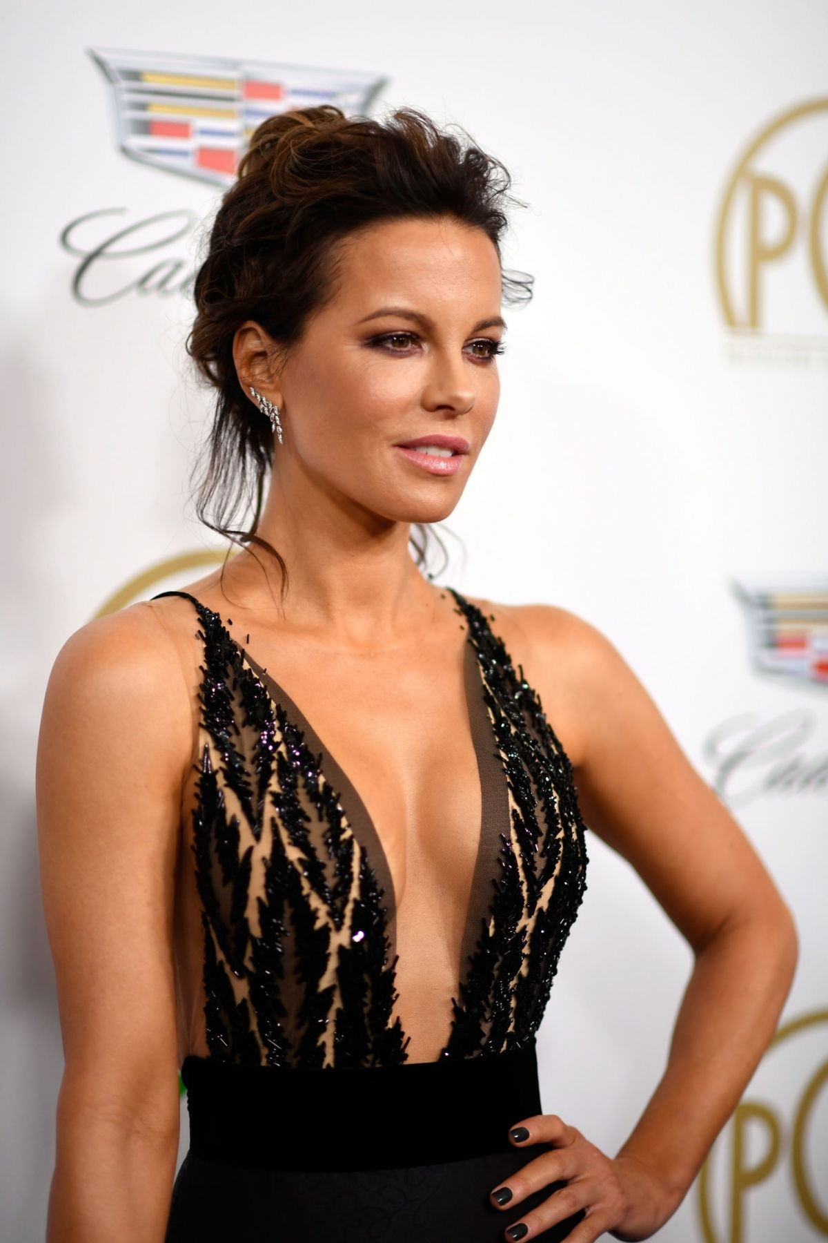 kate-beckinsale-at-2019-producers-guild-awards-in-beverly-hills-01-19-2019-9.jpg