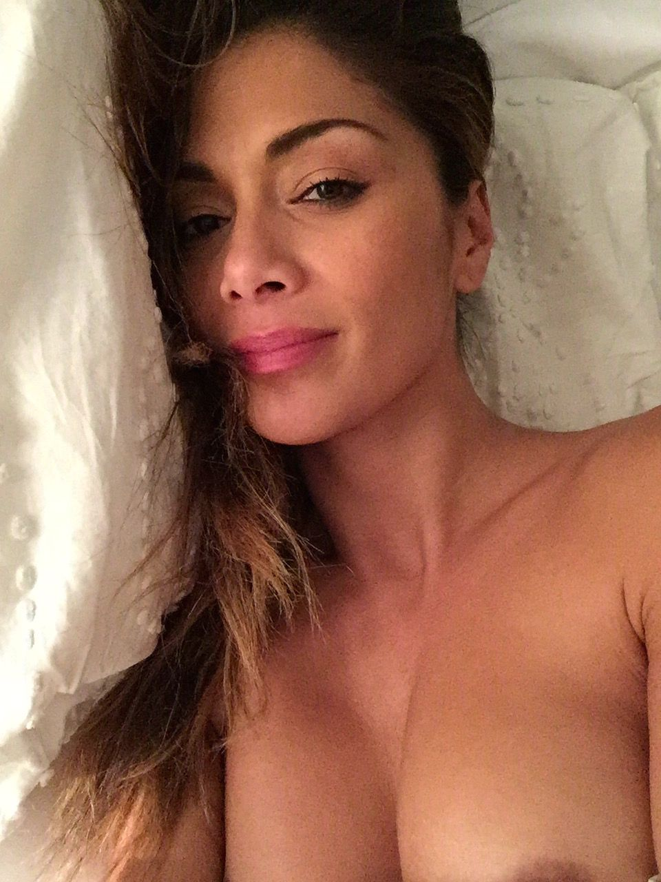 0117151356834_04_Nicole-Scherzinger-Nude-Sexy-TheFappeningBlog.com-4.jpg