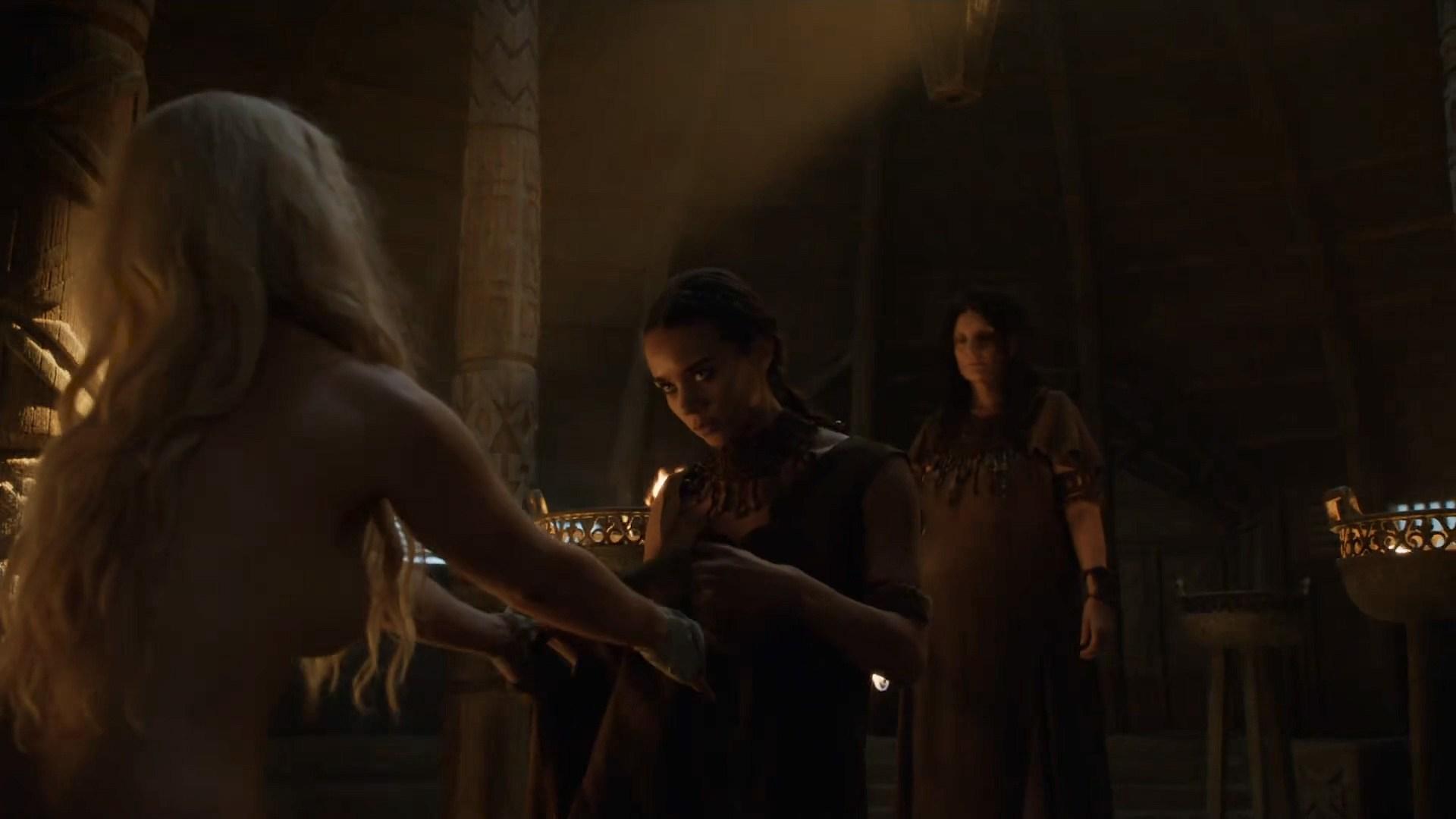 0313180018224_06_Emilia-Clarke-nude-barley-side-boob-Game-of-Thrones-2016-s603-HDTV-1080p-5.jpg