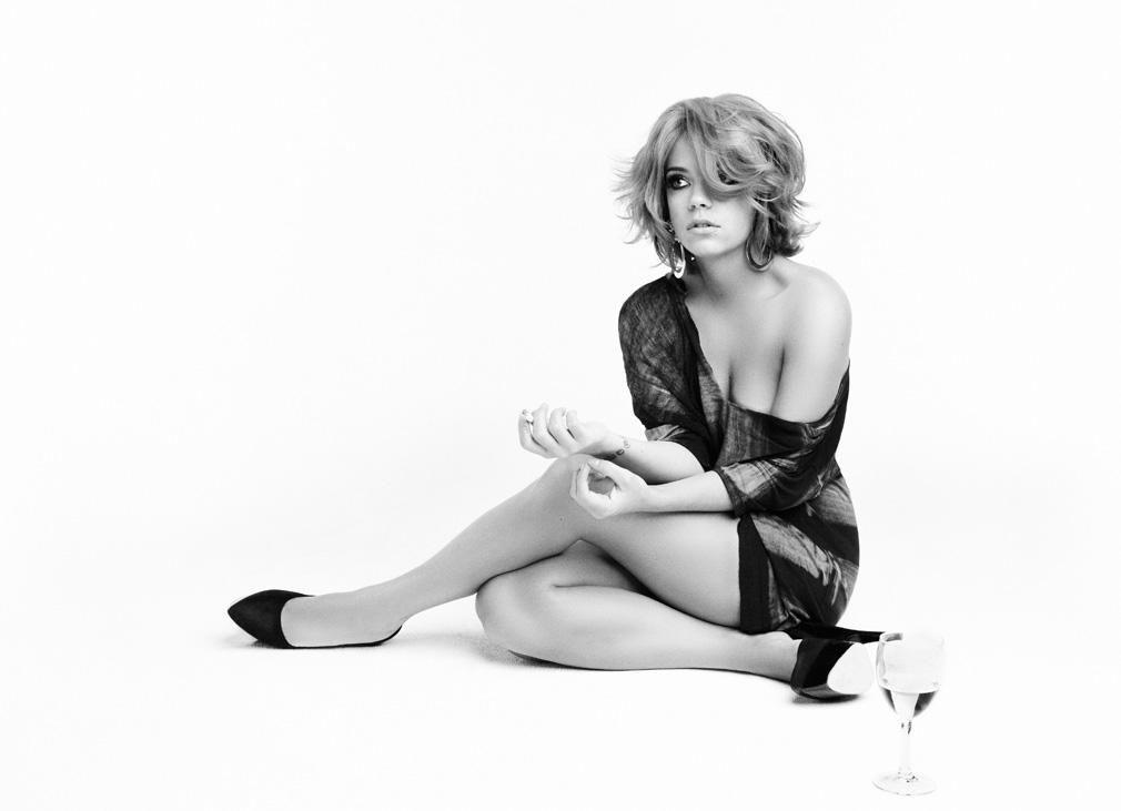 0326233753736_07_Lily-Allen-Nude-Sexy-TheFappeningBlog.com-7.jpg