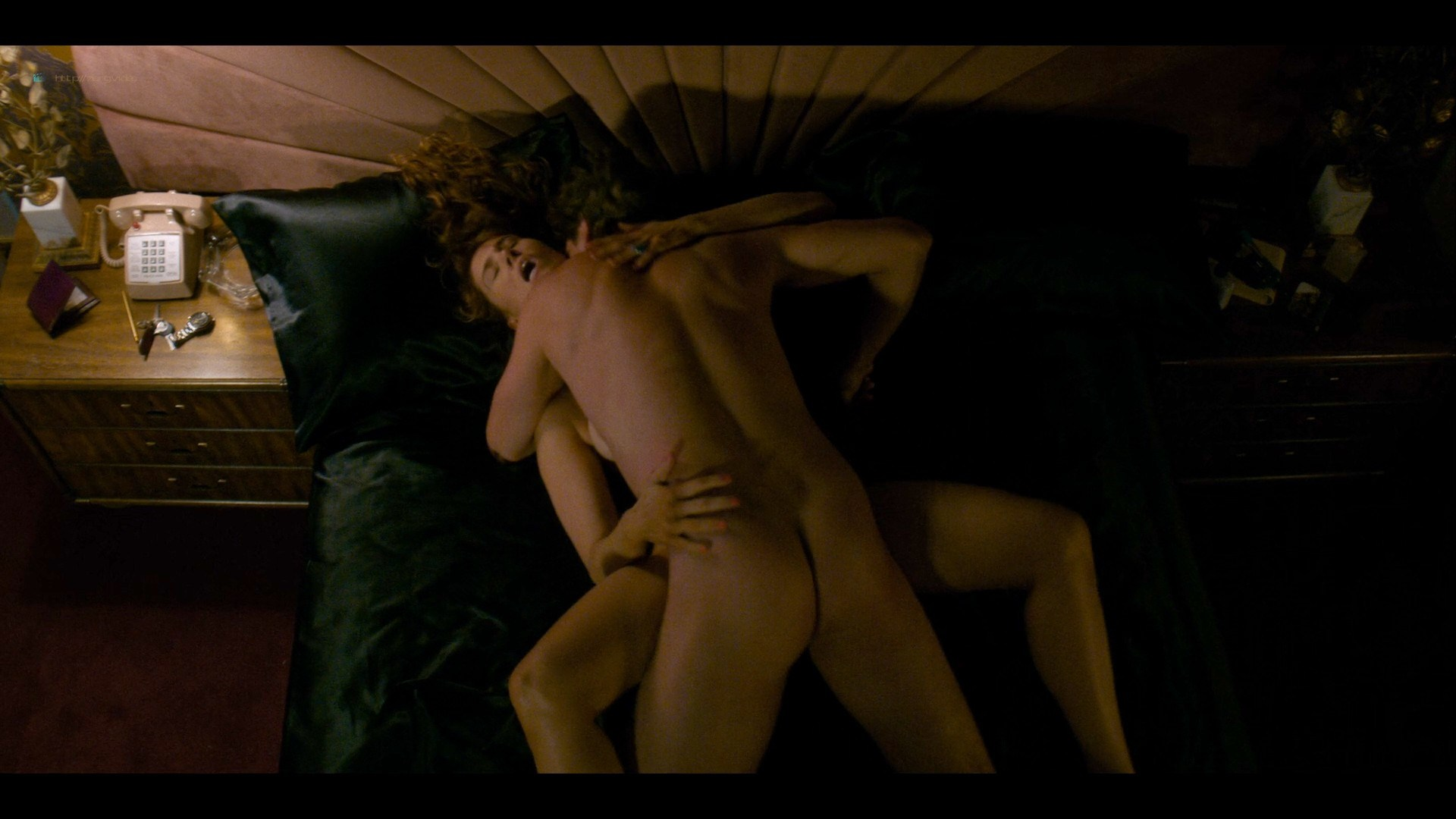 0710213425772_17_Betty-Gilpin-nude-sex-Kate-Nash-sex-others-hot-Glow-2019-S3-HD-1080p-0002.jpg