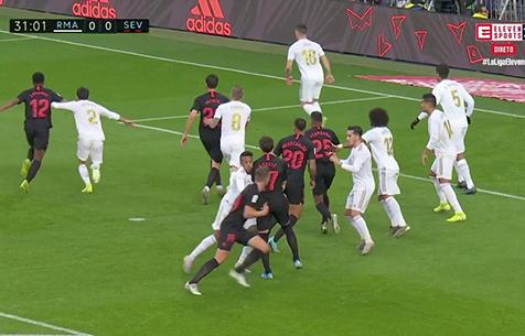 """Итурральде Гонсалес: """"Гудель блокировал путь защитнику """"Мадрида"""". Это фол"""""""