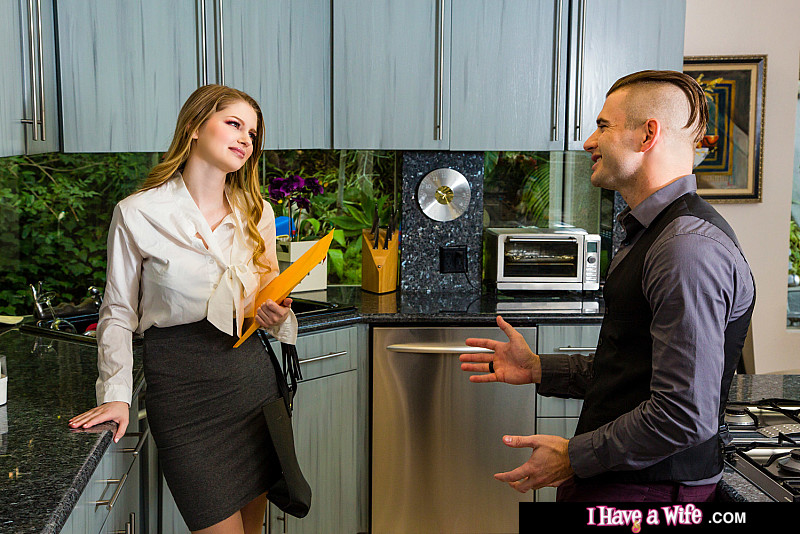 Bunny Colby - Real Estate agent Bunny Colby does what it takes to close (2020) SiteRip |