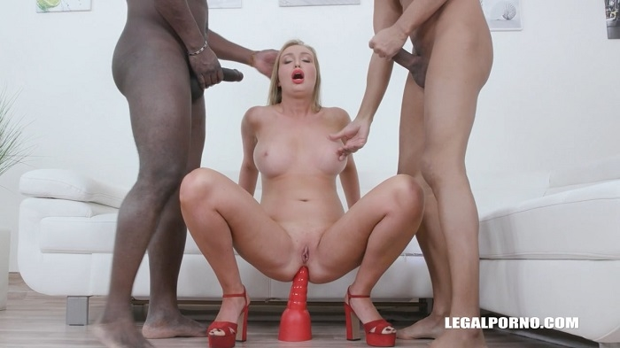 [LegalPorno.com] Nicole Pearl (Nicole Pearl first time interracial IV492 / 14.03.2020) [2020 г., DP, Brunette, Toys, Tattoo, Gangbang, Anal, Double pussy DPP, Interracial, 1080p]