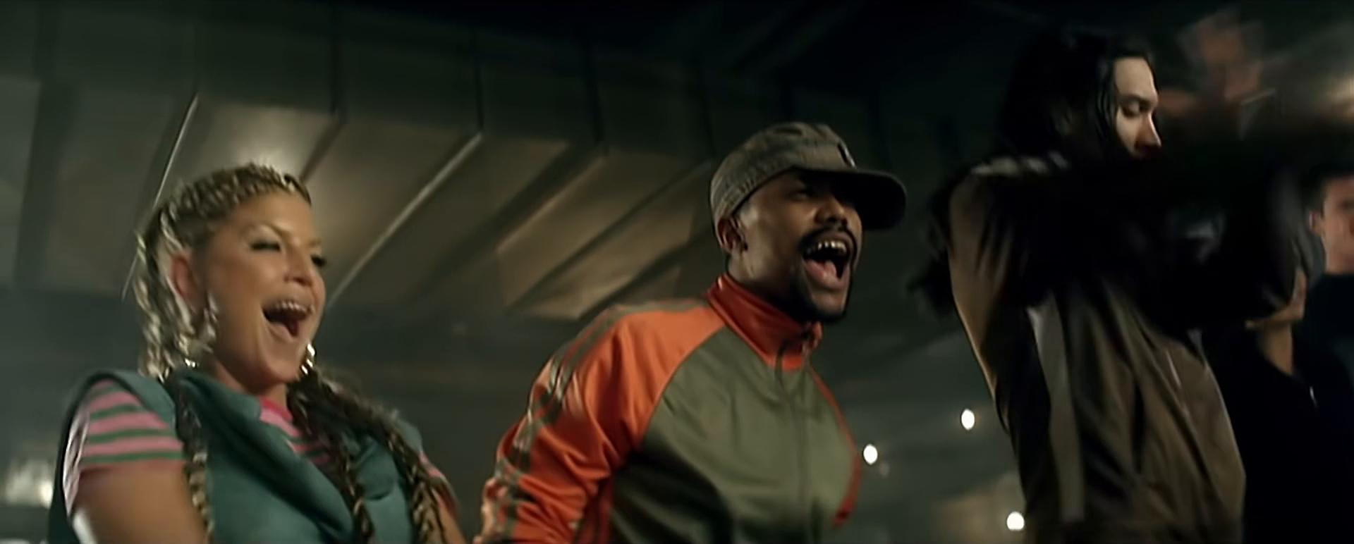 4The Black Eyed Peas - Pump It.(2006).WEB-DLRip 1080p.60fps.[-=DoMiNo=-].png